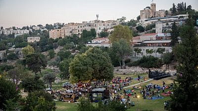 A food-truck festival in the Ben Hinom Valley in Jerusalem on July 17, 2018. Photo by Yonatan Sindel/Flash90.