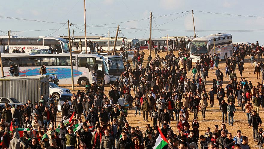 Palestinian protesters during clashes with the Israel Defense Forces following a demonstration along the border with Israel in the southern Gaza Strip, on Jan. 18, 2019. Photo by Abed Rahim Khatib/ Flash90.