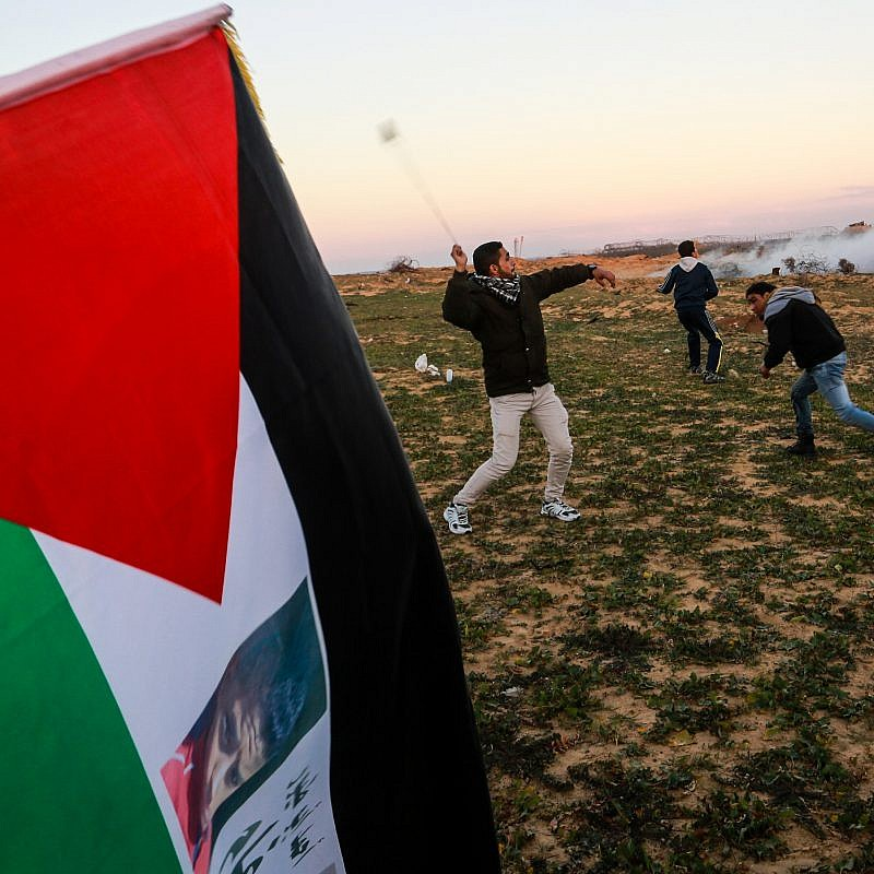 Palestinian protesters during clashes with the Israel Defense Forces following a demonstration along the border with Israel in the southern Gaza Strip, on Jan. 18, 2019. Photo by Abed Rahim Khatib/Flash90.