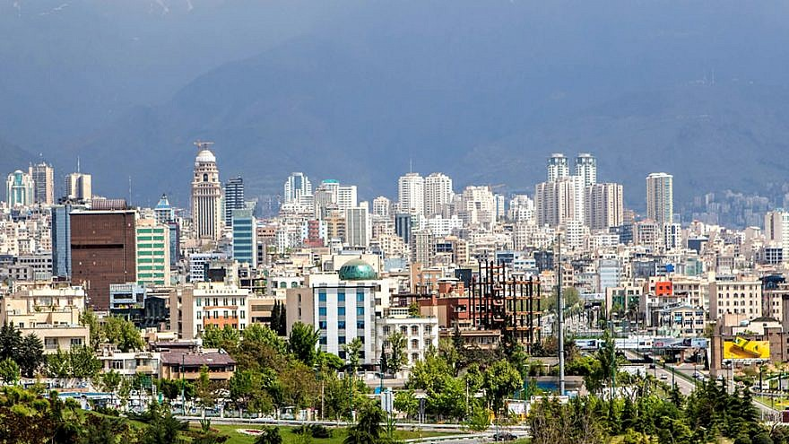 A view north of Tehran, home to nearly 50 percent of Iran's industries. Credit: Flickr/Wikimedia Commons.