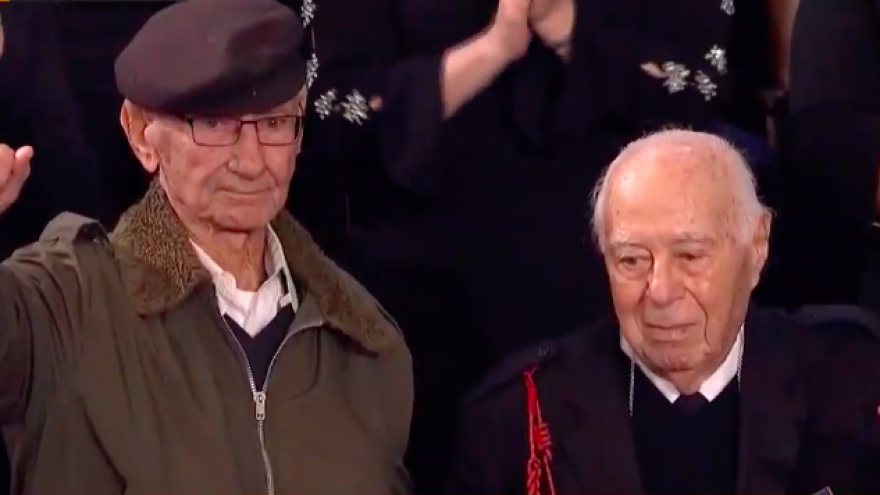 Holocaust survivor Joshua Kaufman (left) and U.S. Army veteran Herman Zeitchik at the 2019 State of the Union address. Credit: Screenshot.