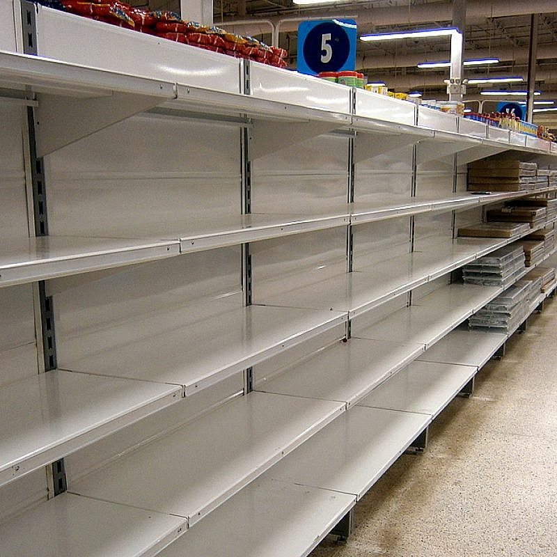 Food is scarce throughout Venezuela, with citizens experiencing widespread malnutrition and lack of access to health care. Credit: Wikimedia Commons.