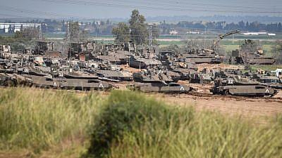 Israeli tanks stationed near the Israeli-Gaza border on March 27, 2019. Photo by Dudi Modan/Flash90.