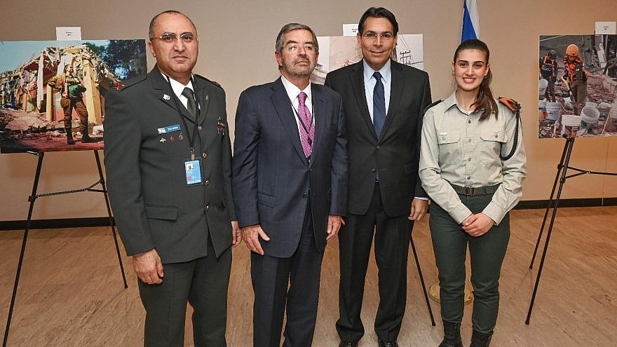 From left: Surgeon General of the IDF Brig. Gen. Dr. Tarif Bader, Mexico's Ambassador to the United Nations Juan Ramón de la Fuente, Israel's Ambassador to the United Nations Danny Danon and IDF Lt. Shahar Bachar, who was a part of Israel's humanitarian delegation to Mexico following the 2017 earthquakes, at the exhibit in the U.N. headquarters on March 28, 2019. Credit: Shahar Azran.