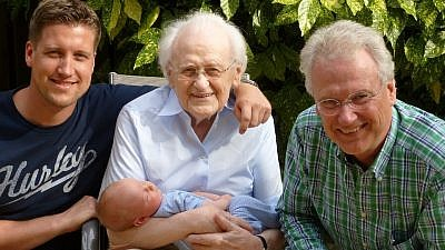 A first-ever national study of Jewish grandparents, released in April 2019, has shown that most of them are committed to transmitting family values. Credit: Pixabay.