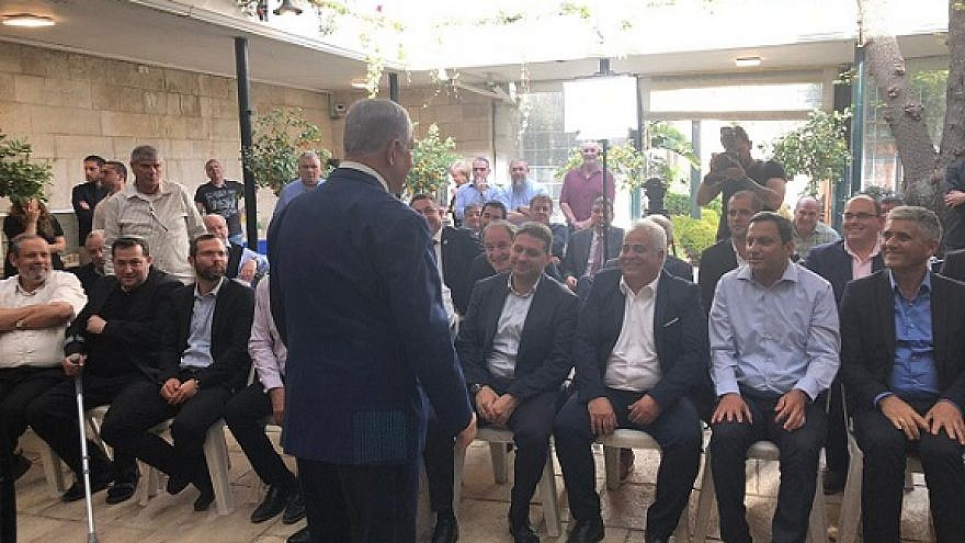 Israeli Prime Minister Benjamin Netanyahu held a brief meeting with heads of local councils from Judea and Samaria from the Likud Party on April 7, 2019. Credit: Likud Party.