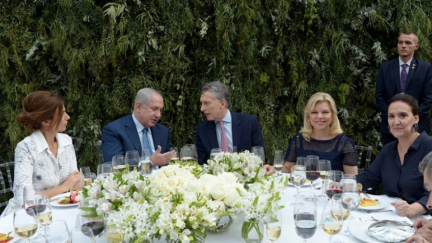 Israeli prime minister Benjamin Netanyahu and his wife Sara attend an official state dinner with Argentian president Mauricio Macri and his wife at the San Martin palace in Buenos Aires, Argentina, on September 12, 2017. Photo by Avi Ohayon/Government Press Office.