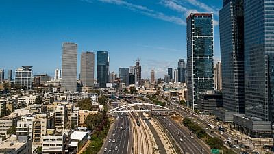 View of the Yehudit Bridge and the Ayalon highway in Tel Aviv on Feb. 17, 2019. Photo by Adam Shuldman/Flash90.