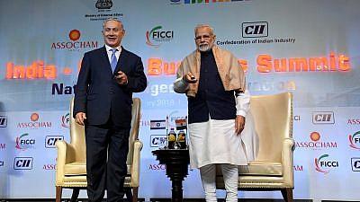 Israeli Prime Minister Benjamin Netanyahu and Indian Prime minister Narendra Modi at an Israeli-Indian Economic Conference  in New Delhi, India on Jan. 15, 2018. Credit: Avi Ohayon/GPO.