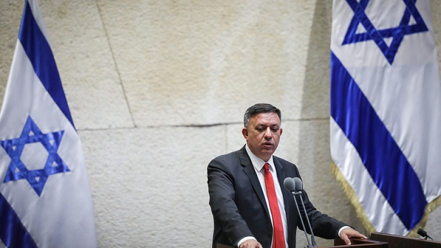 Labor Party leader Avi Gabbay discusses a bill to dissolve the 21st Knesset, May 29, 2019. Photo by Noam Revkin Fenton/Flash90.