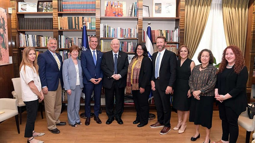 A bipartisan delegation of U.S. mayors visited Israel with the American Jewish Committee's Project Interchange as part of an effort to enhance U.S.-Israel relations and learn practical tools at the municipal level. Here, they meet with Israeli President Reuven Rivlin. Credit: AJC Project Interchange.