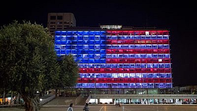 Tel Aviv City Hall seen lit up in the colors of an American flag in solidarity with the victims and injured following two back-to-back shootings in El Paso, Texas, and in Dayton, Ohio, Aug. 4, 2019, similar to this one marking the Jewish worshippers shot and killed in Pittsburgh on Oct.  27, 2018. Photo by Miriam Alster/Flash90.