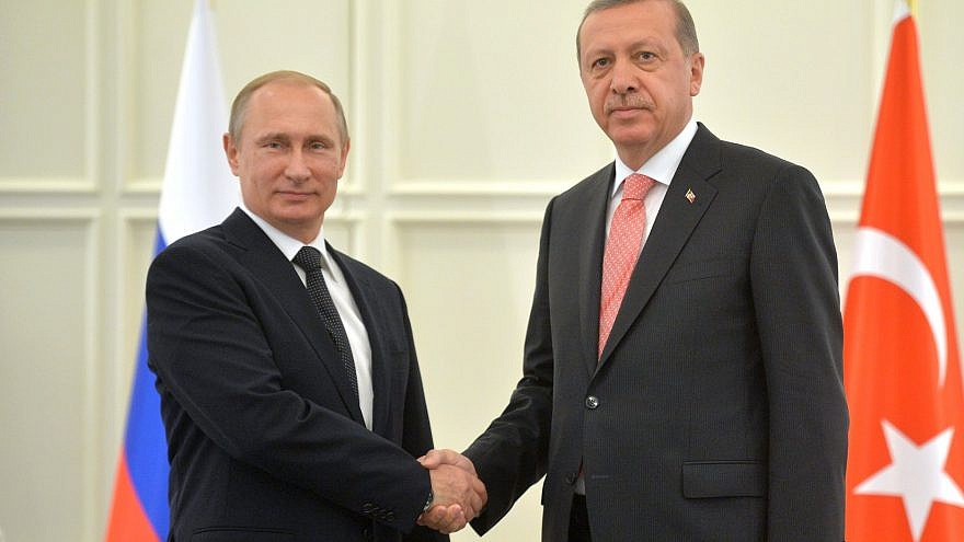 Russian President Vladimir Putin with Turkish President Recep Tayyip Erdogan in 2015. Turkey is more likely to give up on the Western bloc and join the Eastern axis that is currently developing, experts say. Credit: Wikimedia Commons.