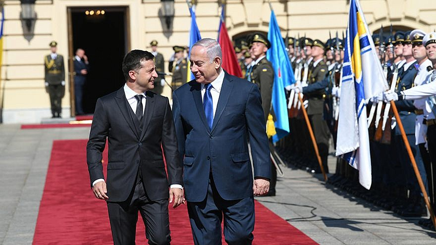 Israeli Prime Minister Benjamin Netanyahu is welcomed to the presidential palace in Kiev by Ukraine President Volodymyr Zelensky, Aug. 19, 2019. Photo: Amos Ben Gershom, GPO.