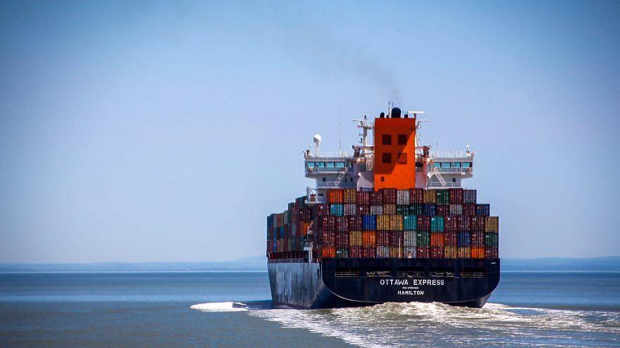Shipping boat at sea. Credit: Flickr.