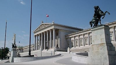 The Austrian Parliament Building in Vienna. Credit: Jean Fonseca via Wikimedia Commons.