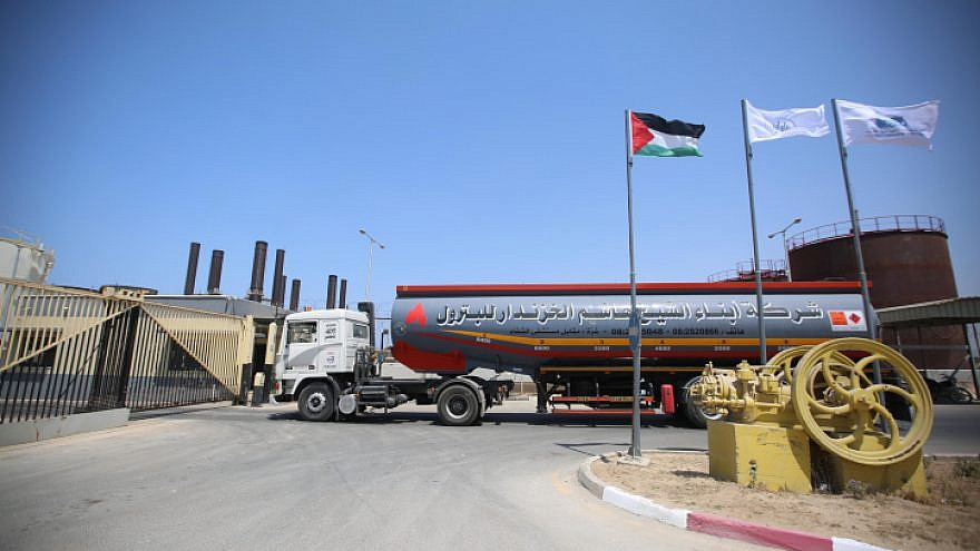 A truck carrying fuel enters a power plant in the central Gaza Strip, Aug. 27, 2019. Photo by Hassan Jedi/Flash90.