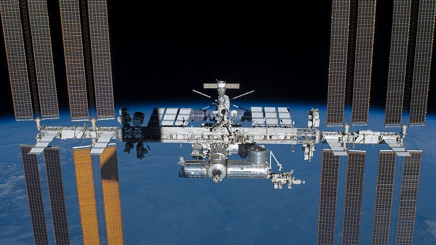 astronauts in the international space station -#main