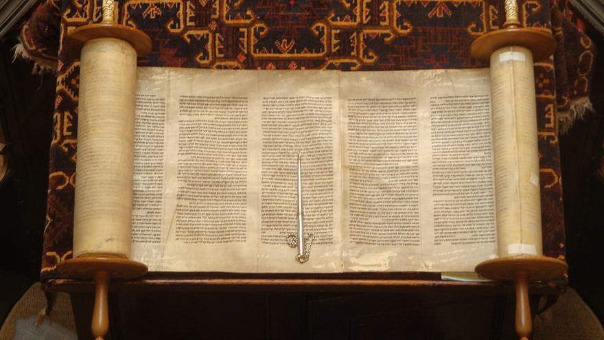 An open Torah Scroll. Credit: Wikimedia Commons.