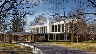 Temple Emanuel in Grand Rapids, Mich. Credit: Wikimedia Commons.