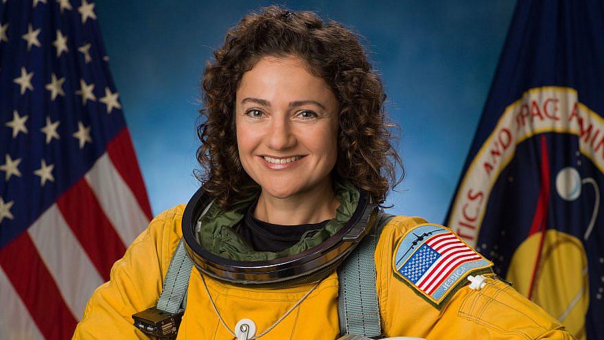 Jessica Meir in her official NASA portrait. Credit: Robert Markowitz/NASA.