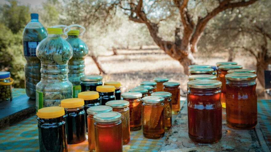 Honey sold by Israeli Druze at a roadside stand in the Carmel area of northern Israel, July 29, 2017. Photo by Anat Hermony/Flash90.