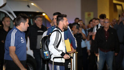 Argentinian football player Lionel Messi arrives at the Hilton Tel Aviv ahead of a friendly football match between Uruguay and Argentina, Nov. 17, 2019. Photo by Flash90.
