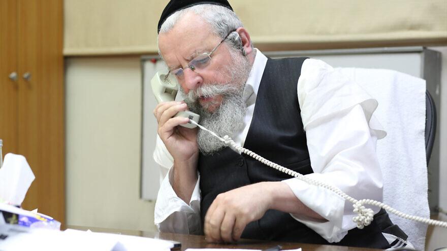 Rabbi Avraham Elimelech Firer. Source: www.ezra-lemarpe.org.