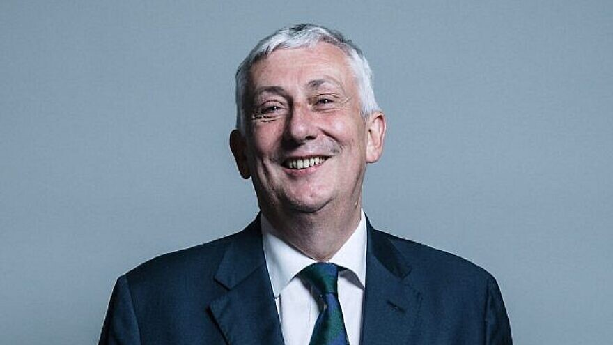 Official photo of U.K. House of Commons and Labour MP Sir Lindsay Hoyle. Credit: Wikimedia Commons.