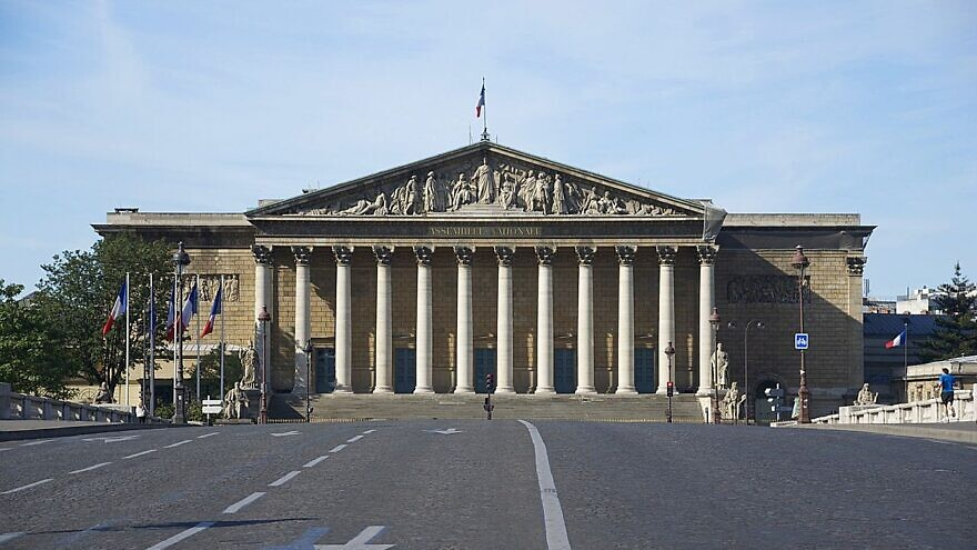 The Palais Bourbon, where the French National Assembly meets. Source: Wikimedia Commons.