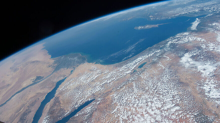 The Middle East is seen from 250 miles above in this April 14, 2016 photo from the International Space Station. Countries seen left to right along the Mediterranean coast include Egypt, Gaza, Saudi Arabia, Israel, Lebanon, Syria, and Turkey. Photo: NASA via Wikimedia Commons.