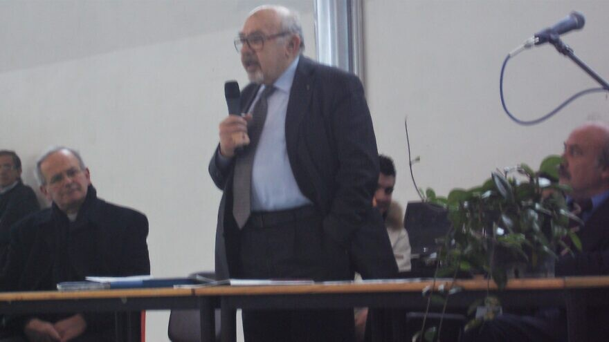 Piero Terracina in Italy during a talk about the Holocaust, March 5, 2010. Credit: Wikimedia Commons.
