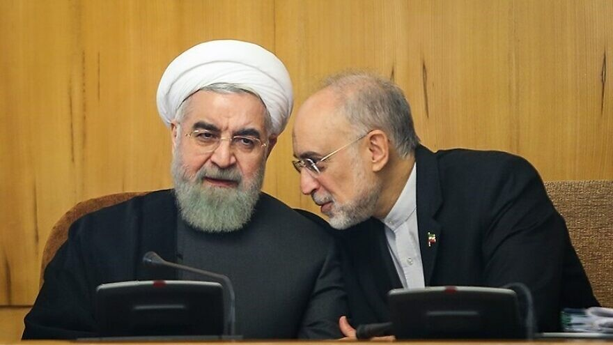 Iranian President Hassan Rouhani (left) and Atomic Energy Organization of Iran head Ali Akbar Salehi, Oct. 15, 2015. Photo: Hamed Malekpour via Wikimedia Commons.