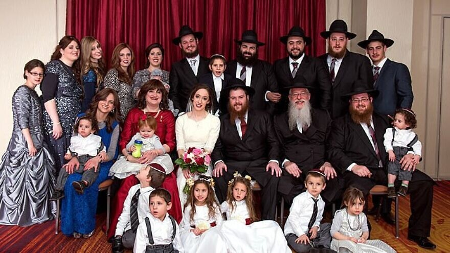 The Litvin family of Kentucky. Courtesy of Chabad/org.News.