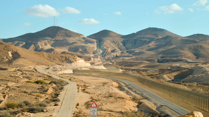 View of the border area between Israel and Egypt's Sinai Peninsula as it seen from Highway 10 in southern Israel, on Dec. 4, 2018. Photo by Yossi Zeliger/Flash90.