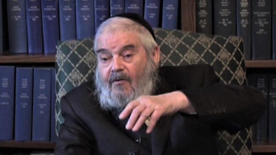 "Holocaust survivor, partisan, rabbi, mohel and Staten Island resident Rabbi Avraham Hakohen ""Romi"" Cohn. Source: YouTube."