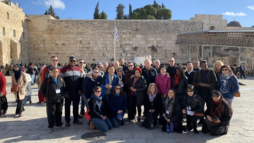 Faculty Fellowship participants visit the Western Wall in Jerusalem. Photo by Vivian Grossman.