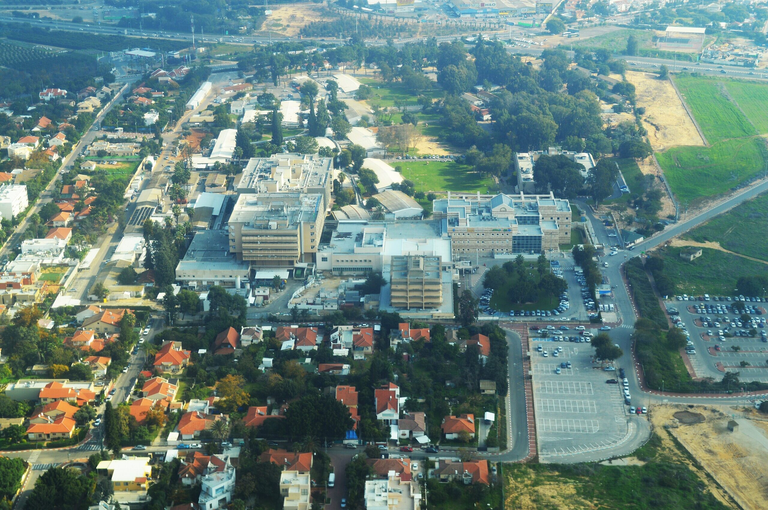 Kaplan Medical Center in Rehovot, Israel. Photo by Amos Meron/Wikimedia Commons.
