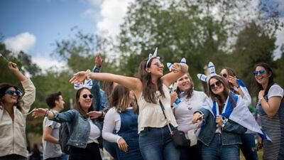 People celebrating Israel's 71st Independence Day in Saker Park in Jerusalem, May 9, 2019. Photo by Yonatan Sindel/Flash90.
