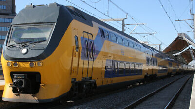 A Dutch railway train. Credit: Wikimedia Commons.