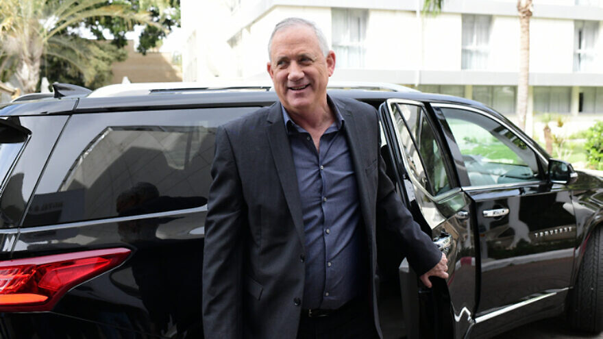 Blue and White Party leader Benny Gantz arrives for a meeting with Yisrael Beiteinu leader Avigdor Lieberman in Ramat Gan on March 9, 2020. Photo by Tomer Neuberg/Flash90.