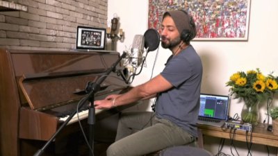 Idan Raichel gave a livestreamed musical performance, sponsored by the Jewish Agency for Israel, from his home in Israel to help alleviate stress for all those the homebound due to the coronavirus (COVID-19), on March 22, 2020. Credit: The Jewish Agency for Israel.
