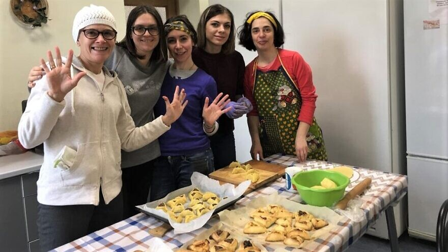 Volunteers with the American Jewish Joint Distribution Committee make Purim hamantaschen to deliver to the elderly and homebound in areas of the former Soviet Union, March 2020. Credit: JDC.
