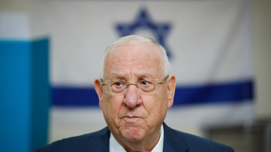 Israeli President Reuven Rivlin casts his ballot at a voting station in Jerusalem, during the Knesset elections, on March 2, 2020. Photo by Olivier Fitoussi/Flash90.