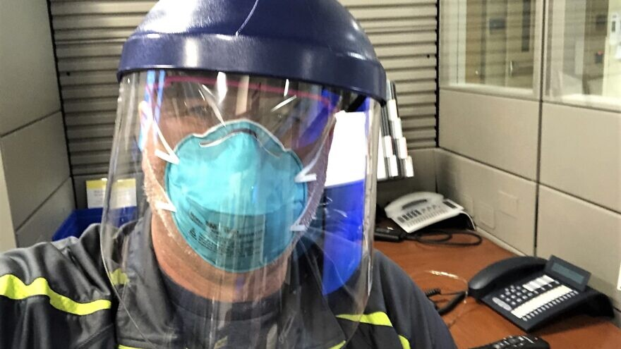A health-care worker on the frontlines of the battle against the coronavirus (COVID-19), April 2020. Credit: Courtesy.