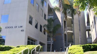 The law school at the University of California, Irvine. Credit: Mathieu Marquer from Paris via Wikimedia Commons.
