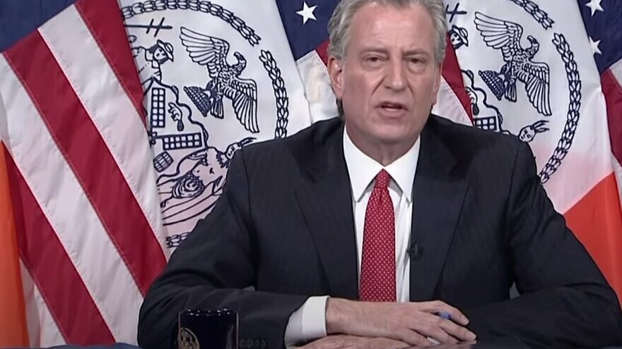 New York City Mayor Bill de Blasio issuing an apology for his tweet regarding a Jewish funeral during the coronavirus pandemic. Source: Screenshot.