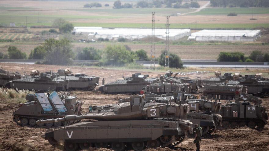 Israeli tanks stationed near the border with Gaza on May 6, 2019. Photo by Aharon Krohn/Flash90.