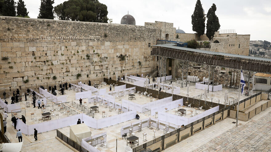 Preparations for the easing of coronavirus restrictions at the Western Wall in Jerusalem's Old City on May 5, 2020. Photo by Olivier Fitoussi/Flash90.