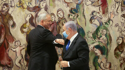 Israeli Prime Minister Benjamin Netanyahu of the Likud Party and Benny Gantz of the Blue and White Party at the Knesset on May 17, 2020. Photo by Alex Kolomoisky.